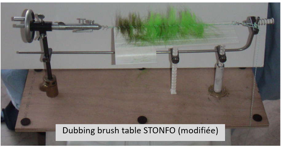 905_dubbing_brush_table_stonfo.jpg